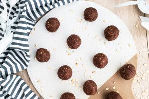 Chocolate Peanut Butter Energy Bites, no bake